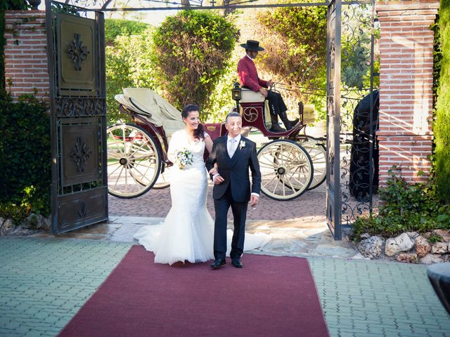 La boda de Álvaro  y Ángela en Madrid, Madrid 3