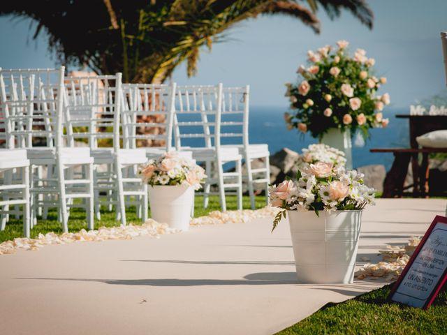La boda de Fernado y Paula en Adeje, Santa Cruz de Tenerife 15