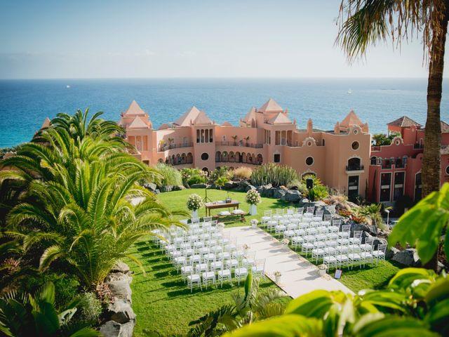 La boda de Fernado y Paula en Adeje, Santa Cruz de Tenerife 17