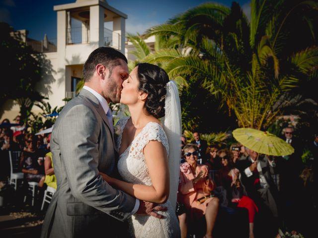 La boda de Fernado y Paula en Adeje, Santa Cruz de Tenerife 24