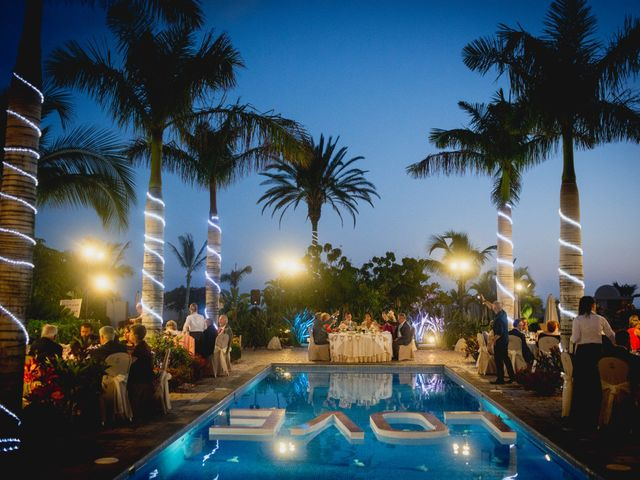 La boda de Fernado y Paula en Adeje, Santa Cruz de Tenerife 34