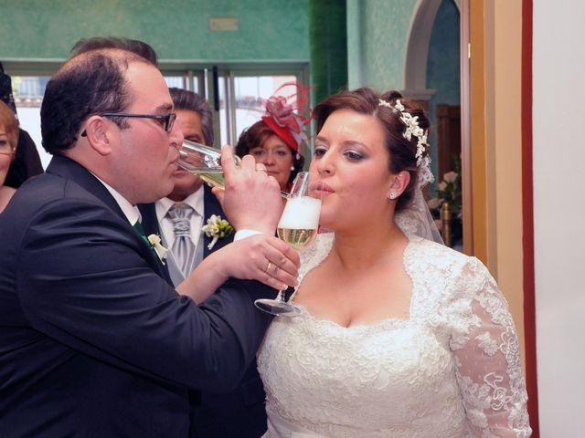 La boda de Angel y Pili en Santa Amalia, Badajoz 18