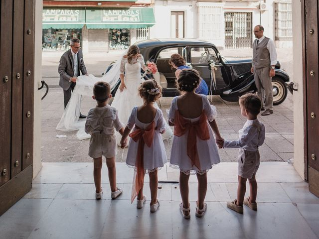 La boda de Mariano y Cristina en San Fernando, Cádiz 15