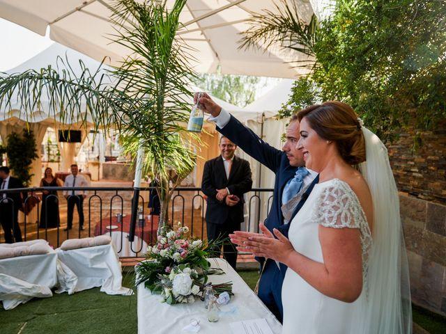 La boda de Antonio y Isabel en Málaga, Málaga 36