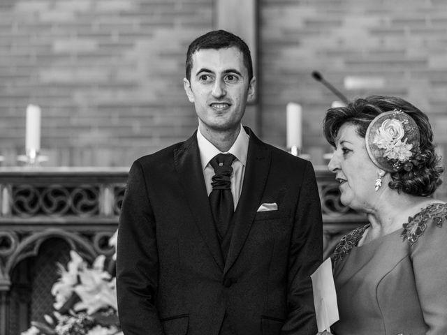 La boda de Jose Miguel y Esther en Getafe, Madrid 23