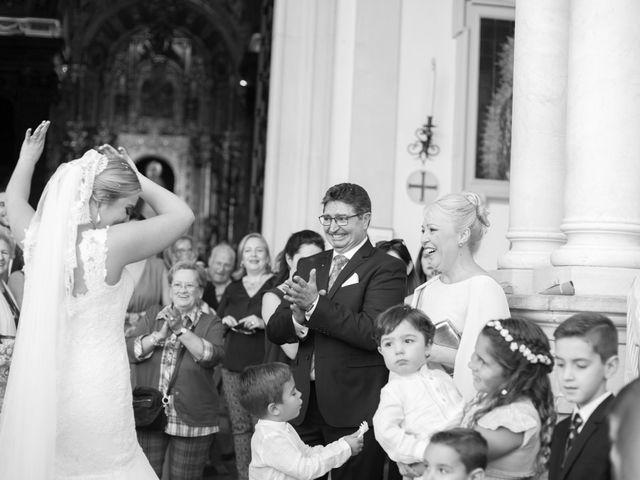 La boda de Chema y Miriam en Bollullos De La Mitacion, Sevilla 28