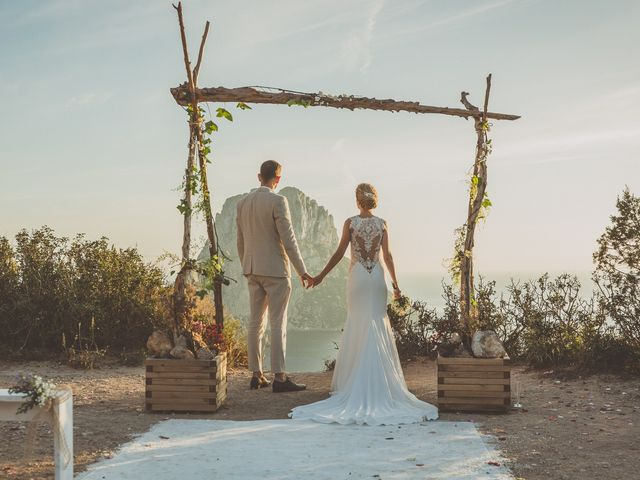 La boda de Tomás y Nora en Cala De San Vicente Ibiza, Islas Baleares 9