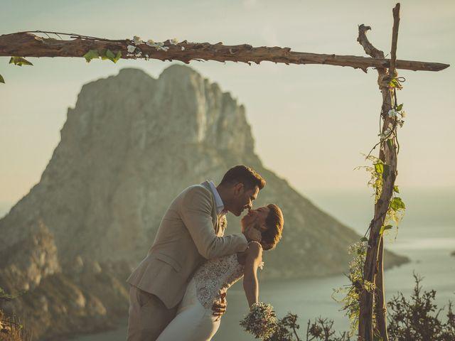 La boda de Tomás y Nora en Cala De San Vicente Ibiza, Islas Baleares 13
