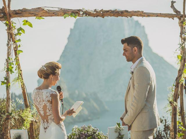 La boda de Tomás y Nora en Cala De San Vicente Ibiza, Islas Baleares 18