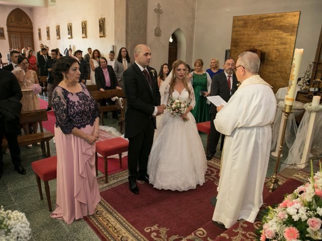 La boda de Alberto y Simona en Ferrol, A Coruña 20