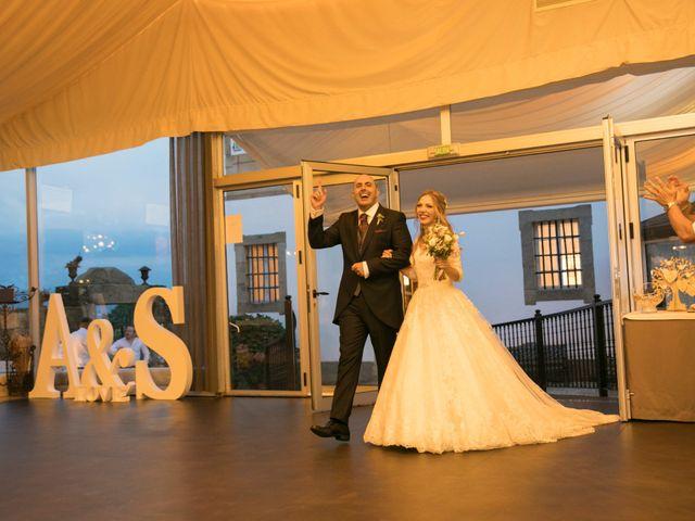 La boda de Alberto y Simona en Ferrol, A Coruña 25