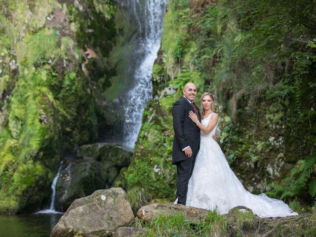 La boda de Alberto y Simona en Ferrol, A Coruña 31