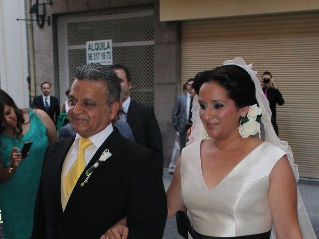 La boda de Macarena y Luis en Valencia, Valencia 13
