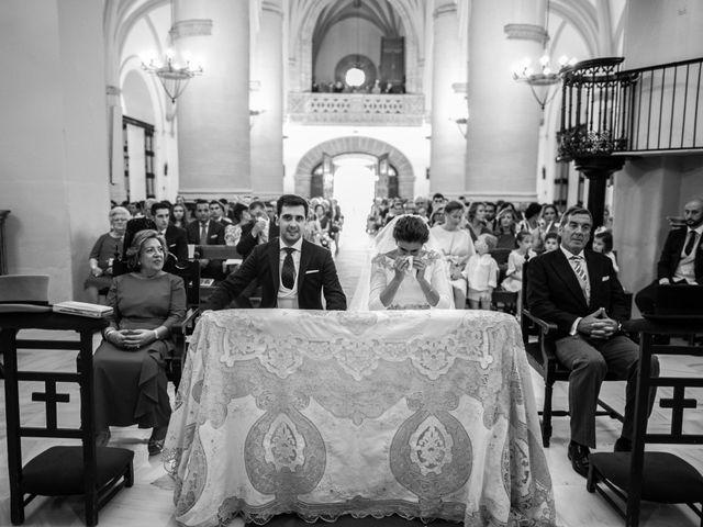 La boda de Mercedes y Jesús en Villafranca De Los Barros, Badajoz 30