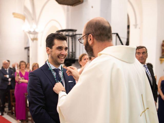 La boda de Mercedes y Jesús en Villafranca De Los Barros, Badajoz 33