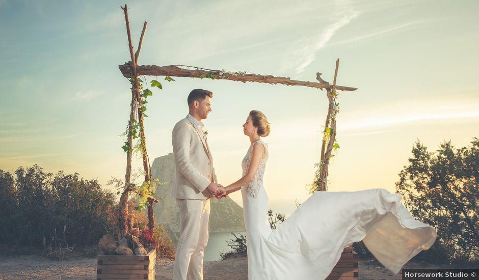 La boda de Tomás y Nora en Cala De San Vicente Ibiza, Islas Baleares