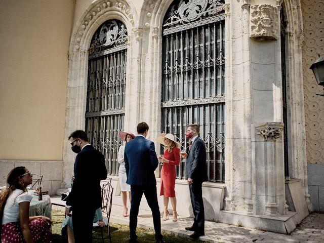 La boda de Quique y Beatriz en Castillo De Viñuelas, Madrid 44