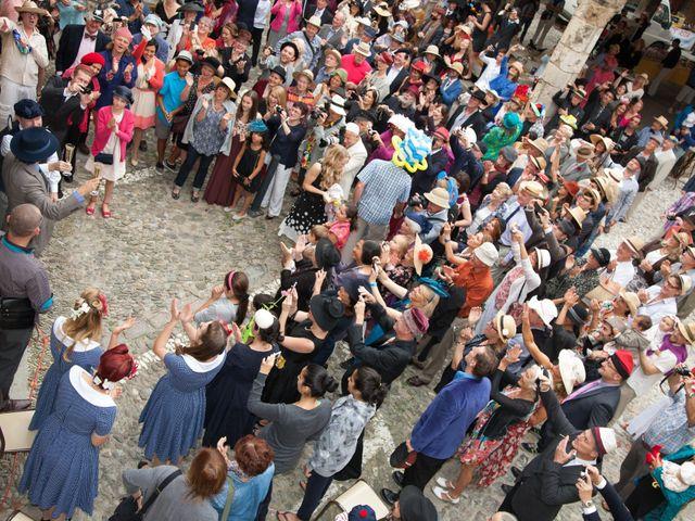 La boda de Carlos y Marc en Pueblo Franciach, Girona 27