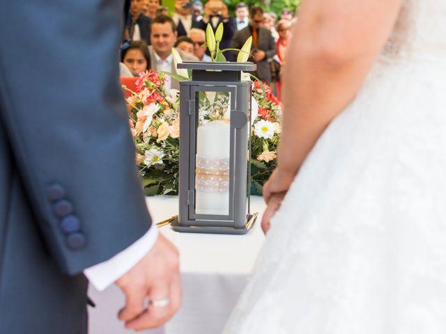 La boda de Miguel y Ely en Sondika, Vizcaya 13
