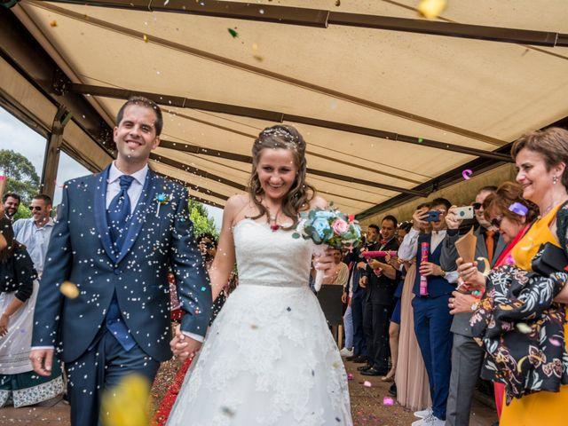 La boda de Miguel y Ely en Sondika, Vizcaya 14