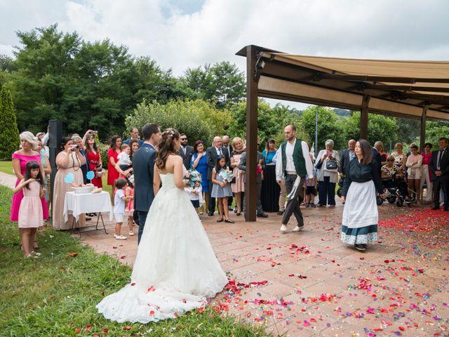 La boda de Miguel y Ely en Sondika, Vizcaya 16
