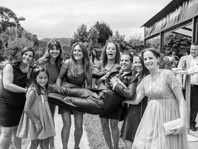 La boda de Miguel y Ely en Sondika, Vizcaya 17