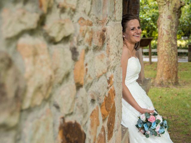 La boda de Miguel y Ely en Sondika, Vizcaya 25