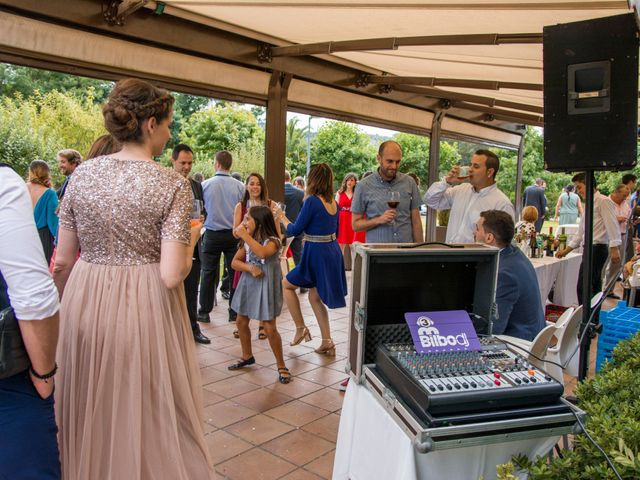 La boda de Miguel y Ely en Sondika, Vizcaya 26