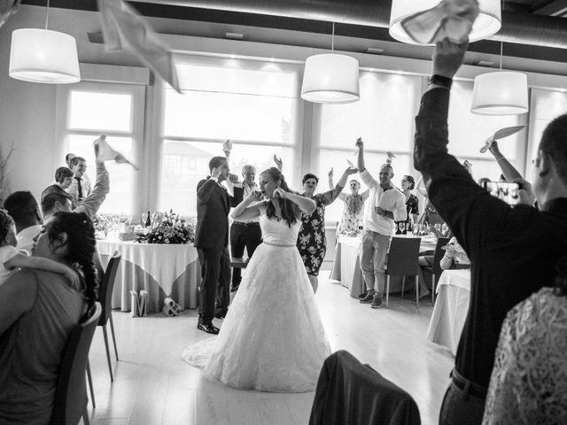 La boda de Miguel y Ely en Sondika, Vizcaya 29
