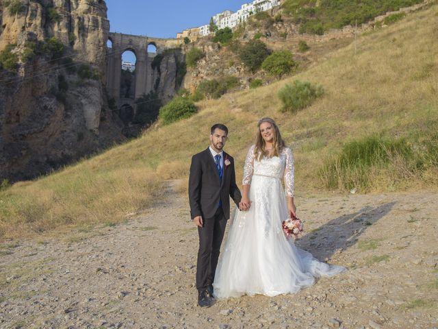 La boda de Alberto y Ester en Benajarafe, Málaga 32