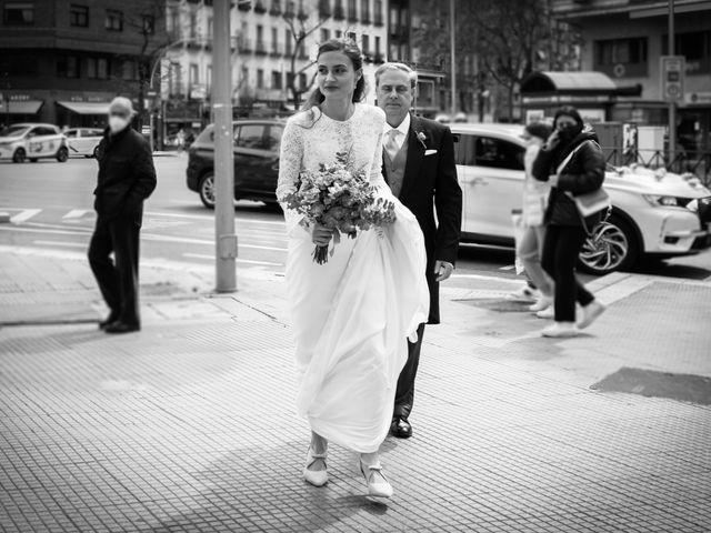 La boda de Nacho y María en Madrid, Madrid 60