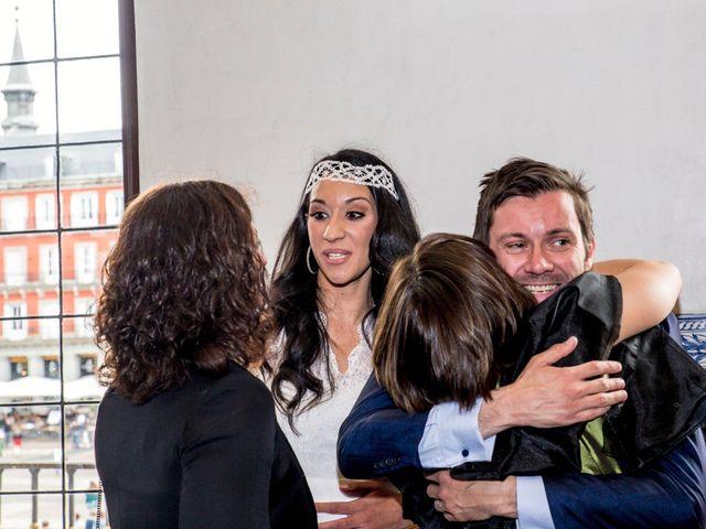 La boda de Ewan y Soledad en Madrid, Madrid 13