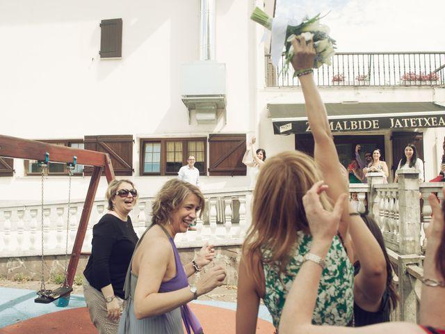 La boda de Pepe y Nagore en Errenteria, Guipúzcoa 25