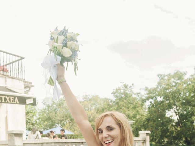 La boda de Pepe y Nagore en Errenteria, Guipúzcoa 26