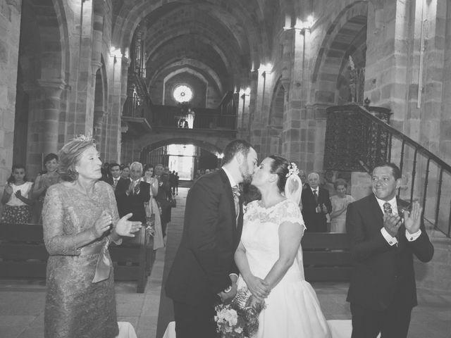 La boda de Cristian y Lucía en Ribadesella, Asturias 16