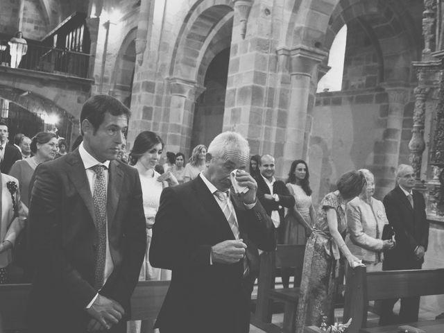 La boda de Cristian y Lucía en Ribadesella, Asturias 17