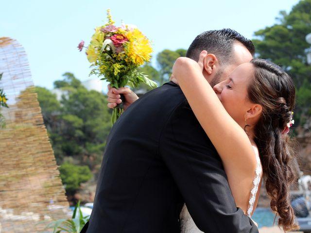 La boda de Joaquín  y Mireia en Platja De Sa Riera, Girona 7