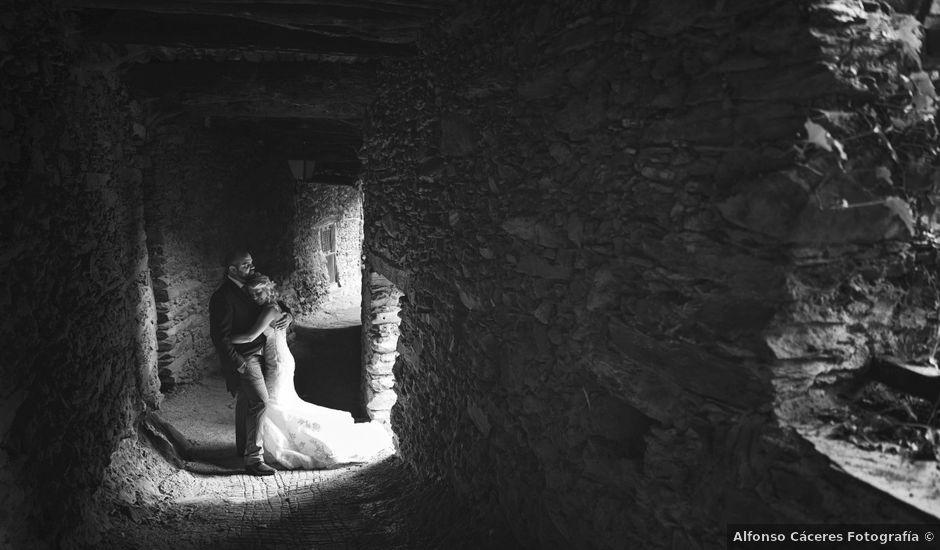 La boda de David y Melody en Valdastillas, Cáceres