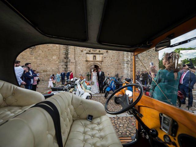 La boda de Mario y Maria en Mérida, Badajoz 24