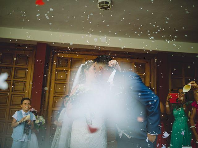 La boda de Adrián y Florentina en Algeciras, Cádiz 18