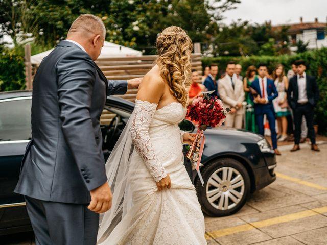 La boda de Nagai y Laura en Hondarribia, Guipúzcoa 19