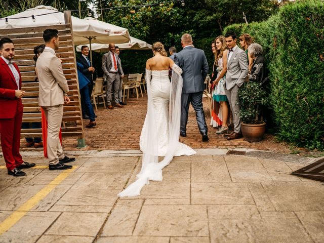 La boda de Nagai y Laura en Hondarribia, Guipúzcoa 22