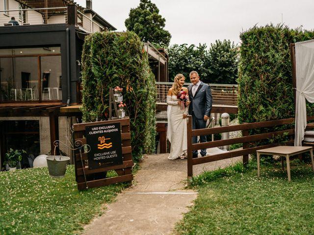 La boda de Nagai y Laura en Hondarribia, Guipúzcoa 31