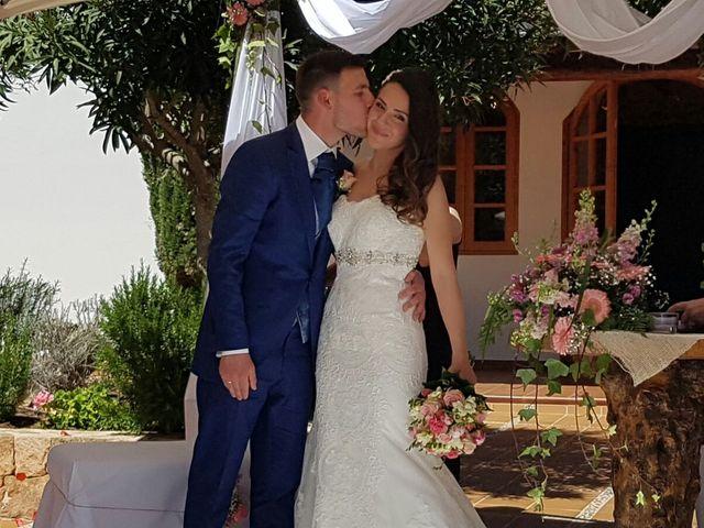 La boda de Javier  y M.Carmen  en Santa Gertrudis De Fruitera, Islas Baleares 14