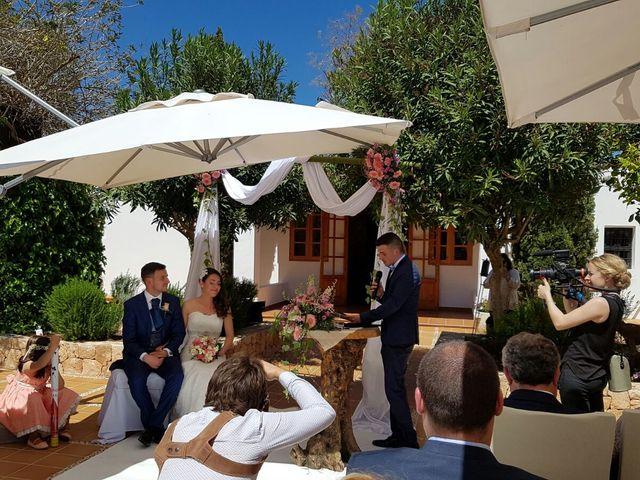 La boda de Javier  y M.Carmen  en Santa Gertrudis De Fruitera, Islas Baleares 17