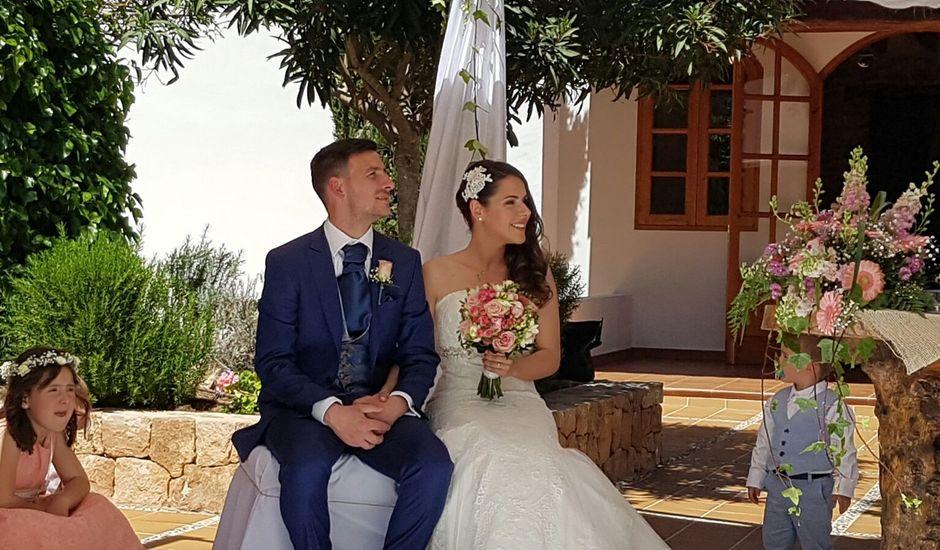 La boda de Javier  y M.Carmen  en Santa Gertrudis De Fruitera, Islas Baleares