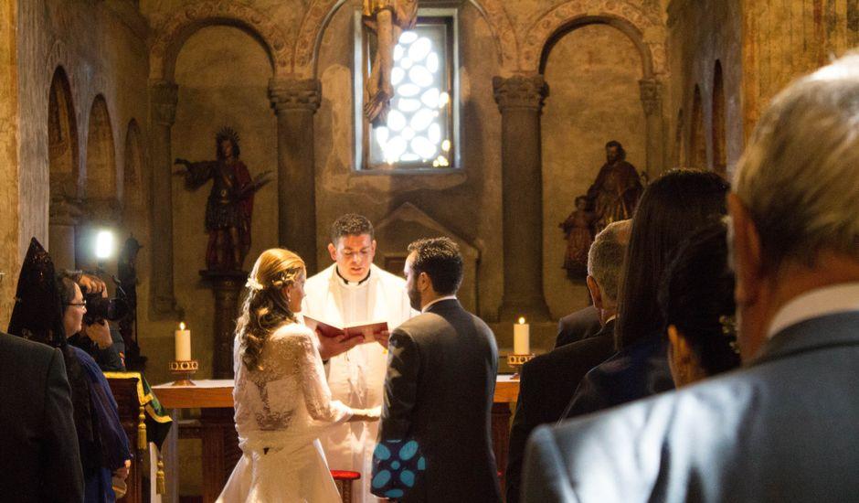 La boda de Javier y Covadonga en Oviedo, Asturias