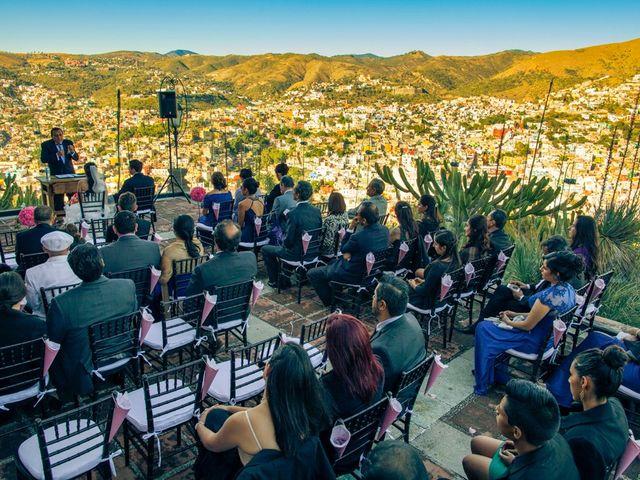 La boda de Toño y Carol en Alacant/alicante, Alicante 36