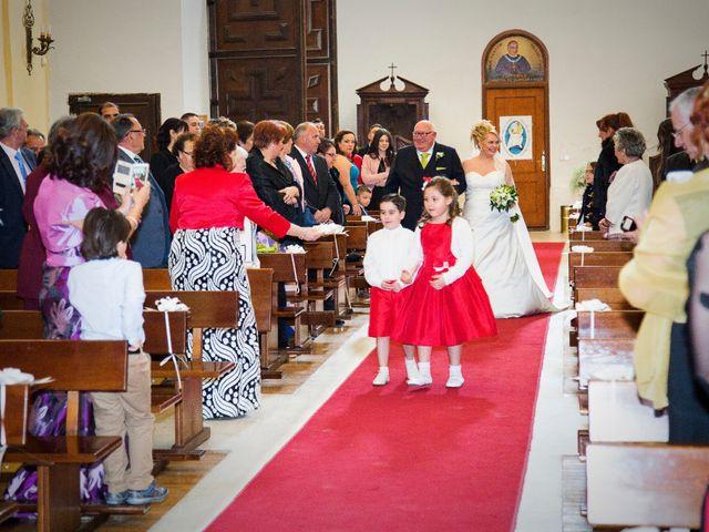 La boda de Christian y Amparo en Cubas De La Sagra, Madrid 27