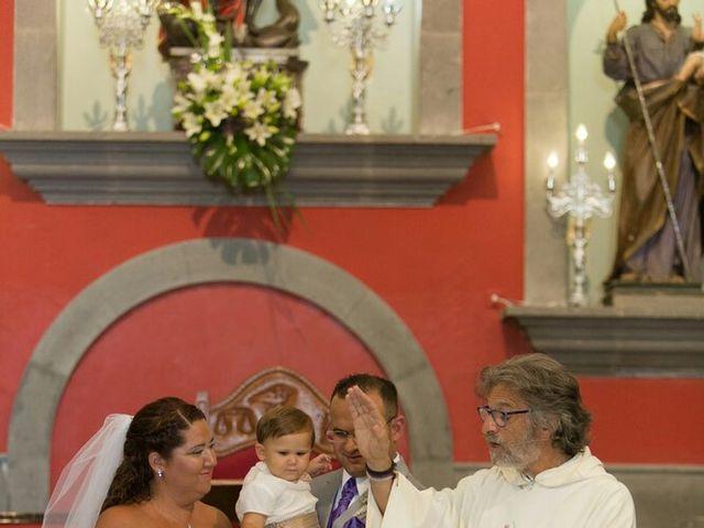 La boda de Ivan y Davinia en Valsequillo (Telde), Las Palmas 41
